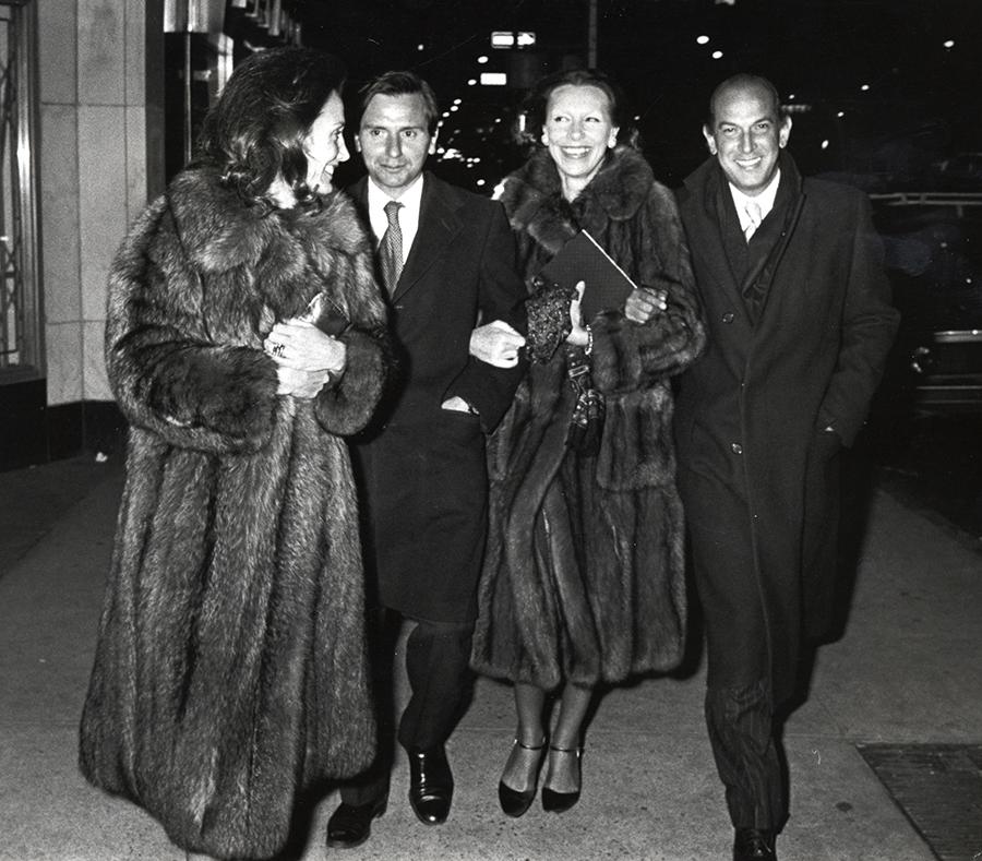 Lee Radziwill, Peter Tuffe, Oscar de la Renta, and Francoise de la Renta (Photo by Ron Galella/WireImage)