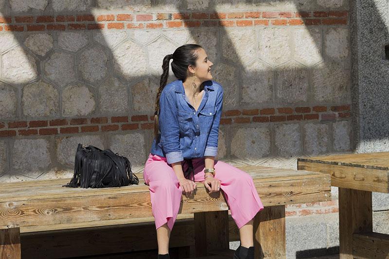 culotte-rosa-blusa-denim
