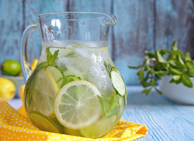 agua-detox-pepino-limón