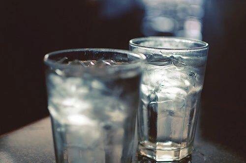 Dos vasos de agua antes de comer