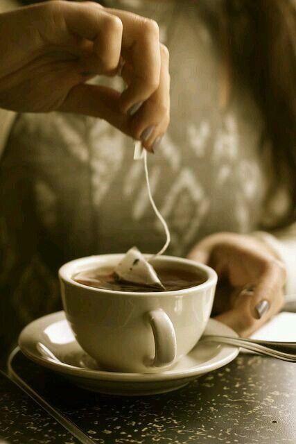 Tomar té de manera correcta